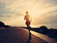 超九成广州市民经常体育锻炼 健身羽毛球跑步最受宠