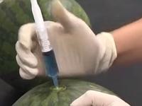 网传黑心商家售卖打针西瓜 食品安全研究所揭晓真相