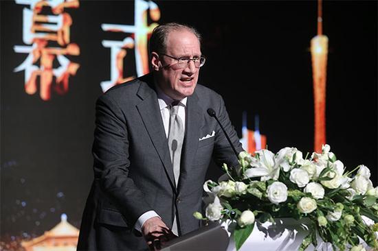 纽约时装周副主席兼董事PETER LEVY