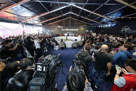 全球时尚城圆桌会议
