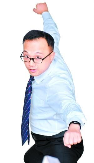 潘锦文大学时开始练拳。