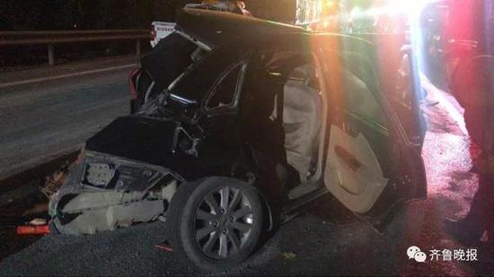济南10车连撞车祸:母亲探望女儿途中遭遇车祸