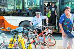 偷偷做旧新车上阵 多家共享单车违规投放被通报