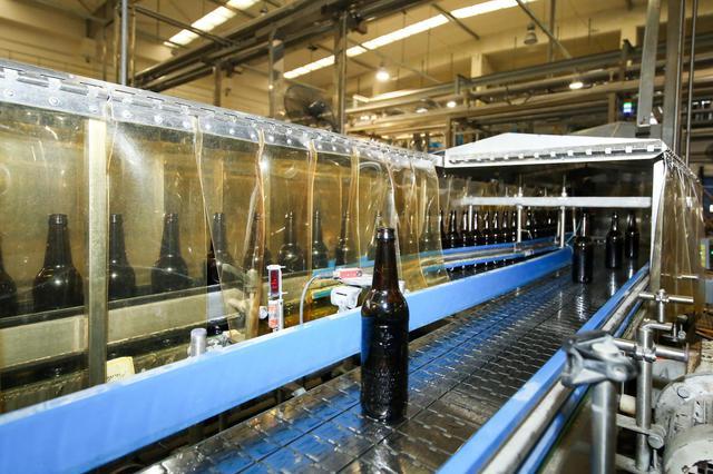 探秘百威佛山工厂:智慧供应链保证品质 啤酒4小时能溯源
