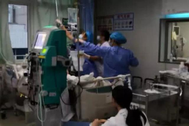 广州女子吃了串烤鸡翅喝了啤酒后昏迷入院 一度休克