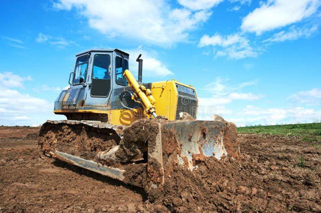挖掘机推土机等冒黑烟 广州5月以来立案调查17宗