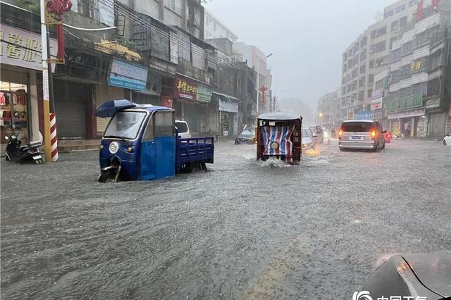 强降水持续影响广东造成局地内涝 部分航班取消