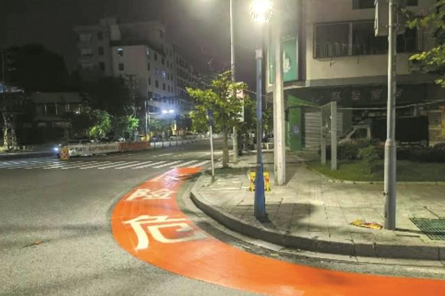 """预防""""右转弯""""交通事故 广州国省道公路试点""""右转弯警示区"""""""
