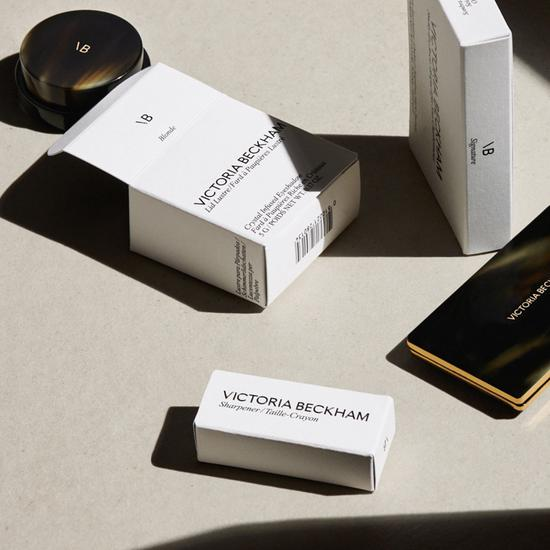 Victoria Beckham推出完全由女性创立的洁净美妆品牌