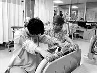 理科男1年帮500个妈妈接生 产妇:没你我生不出来