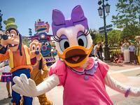消费者起诉上海迪士尼收300元补卡费 法院已收材料