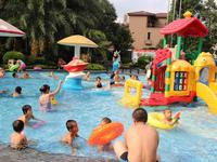 珠海8岁男童泳池跌倒被树枝刺伤肛门 目前已无大碍
