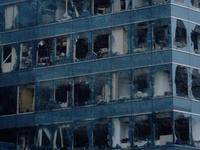 山竹肆虐香港已致200余人受伤 一些玻璃窗被吹破脱落
