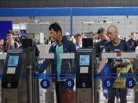 中秋小长假 广州口岸相继迎来出入境客流双向高峰