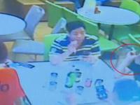 深圳男子带女儿餐厅吃饭 劝阻食客吸烟遭暴打
