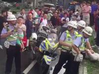 网传广州环市路有人偷小孩