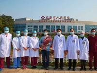 东莞首例危重症新冠肺炎患者出院 称住院期间没怕过