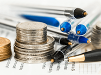 下班去加油 多家机构预测国内油价或迎年内首次上调
