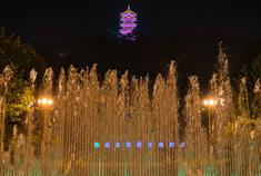 打卡惠山古镇的光影世界