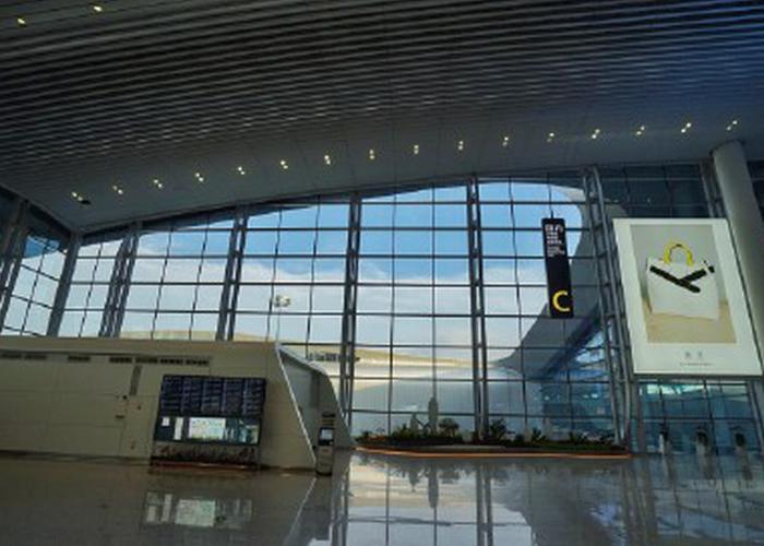 白云机场T2航站楼全面投入使用