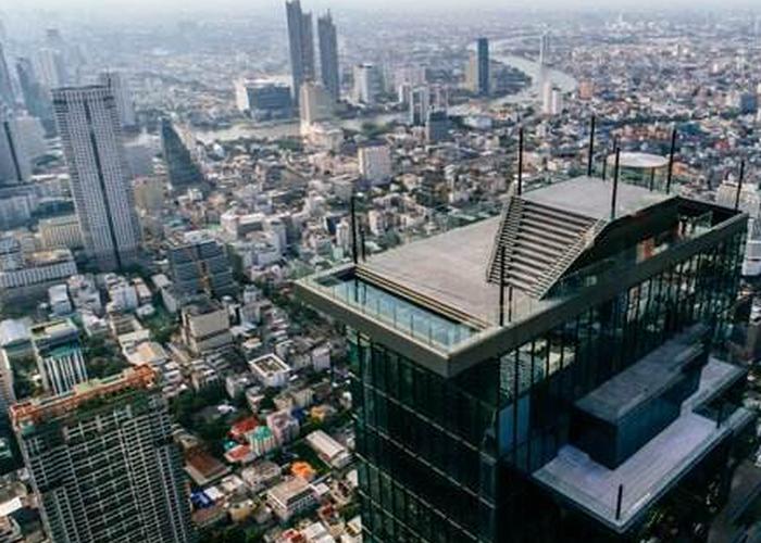 在泰国最高点鸟瞰曼谷