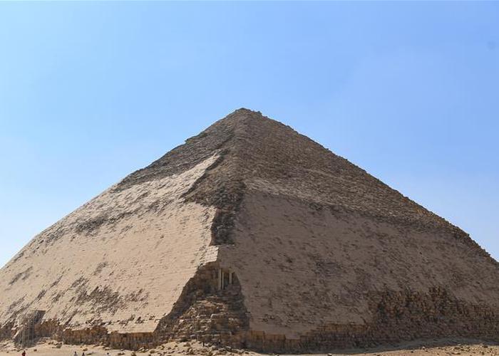 埃及金字塔墓室向游客开放