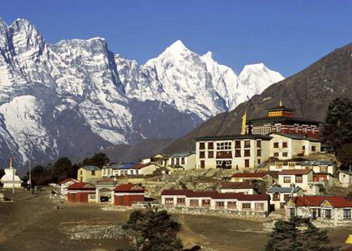 """尼泊尔民众享受""""网游中国"""""""