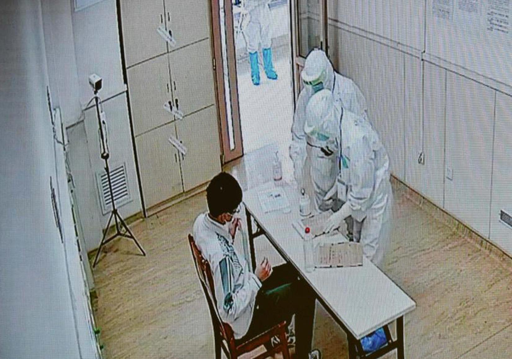 广州新冠隔离病房里的特殊高考