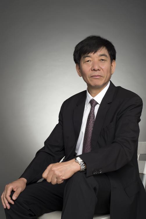 全国人大代表、晨光生物科技集团董事长卢庆国