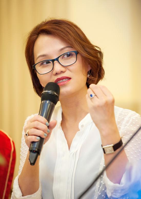 屈翠容女士在2018年博鳌亚洲论坛 财经晚餐会分享女性领导力