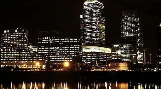 伦敦金丝雀码头
