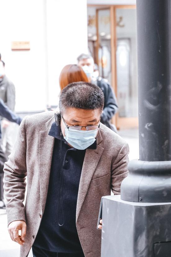 @奥卡姆剃刀 在北京路5G智慧综合杆前