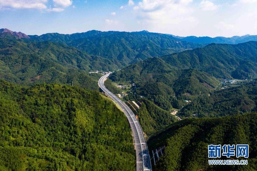 广东:韶关至新丰高速公路开通
