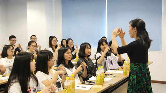 《关爱志愿教育第二期活动》