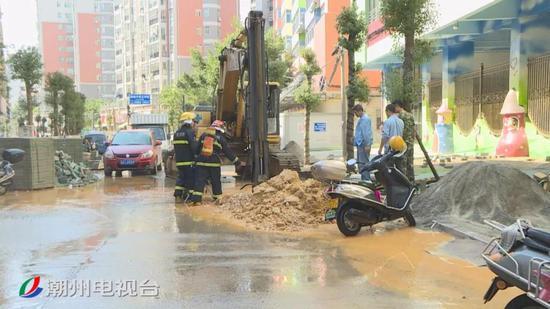 潮州市区出现燃气泄露 消防部门及时处置排除险情