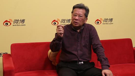 中国美协副主席许钦松做客新浪广东直播间 摄影/陈丰毅