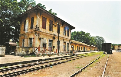经历百年的河口旧火车站。