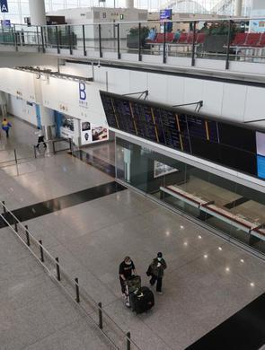 香港机场客流稀少 限制入境延长