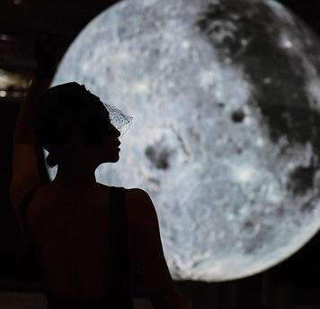 @弹指间行摄 :水立方升起了一轮超级明月