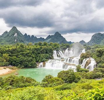 琰棱:最特别的跨国大瀑布