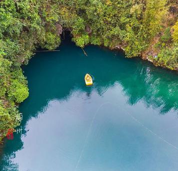 琰棱:柳州有个神秘蓝洞