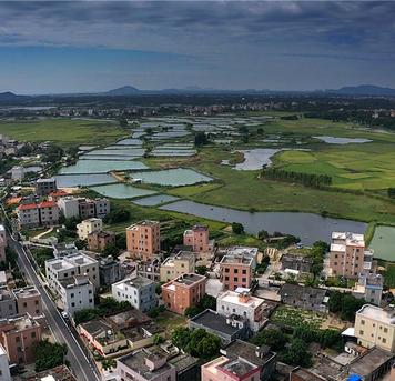 张艺摄影:阳江表竹村红色故事