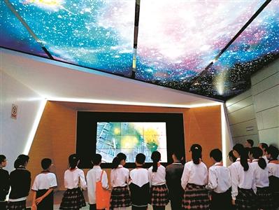 造后的科普展馆,引入了裸眼3D技术