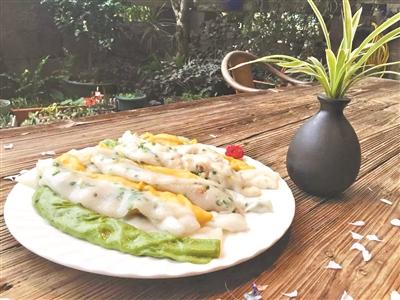 铜盘粉还可以加入菠菜汁、红萝卜汁来制作。