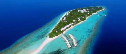 去迪加尼岛的拖尾沙滩感受浪漫日落
