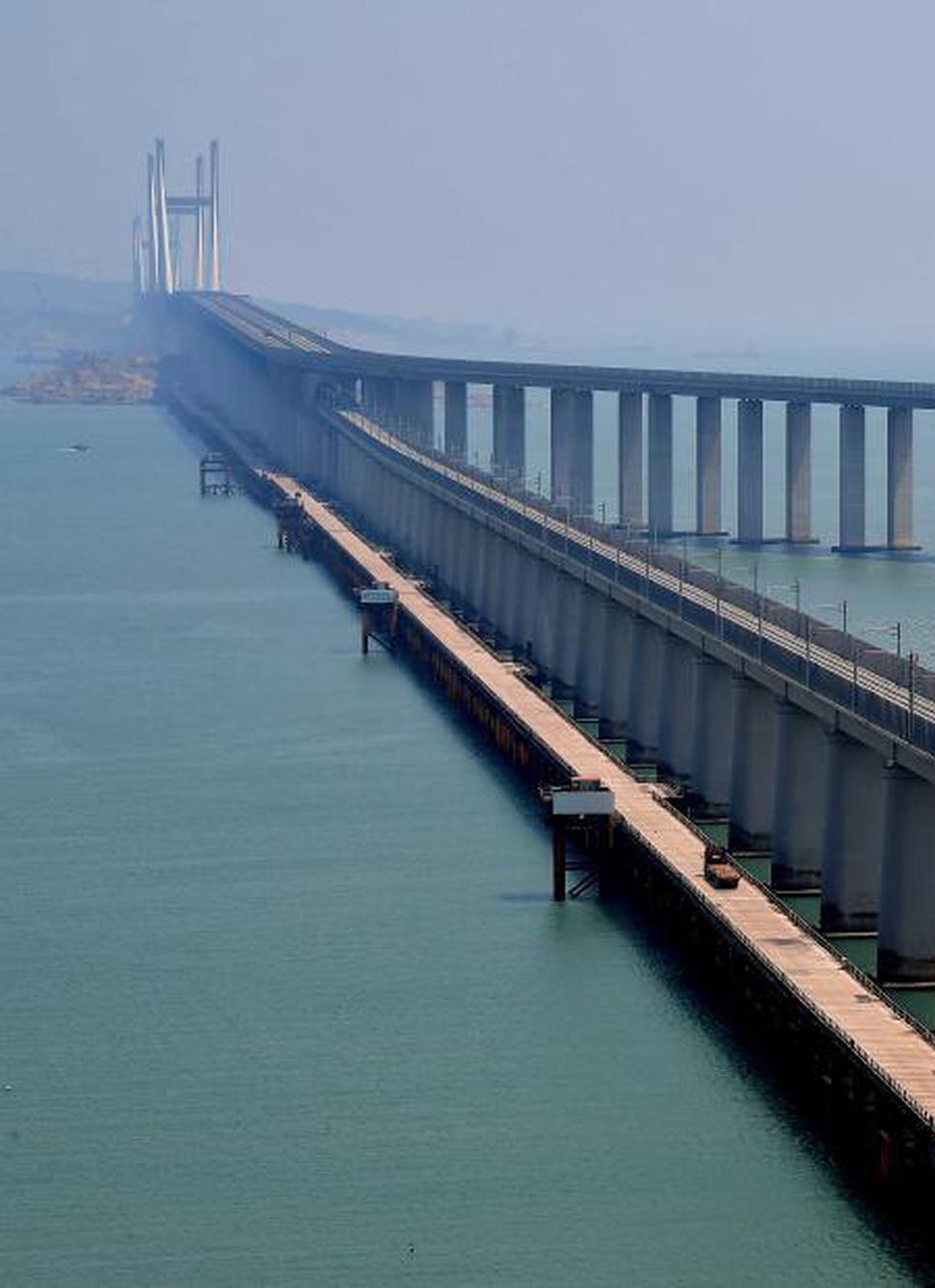 福建平潭:世界最长跨海峡公铁两用大桥进行荷载试验