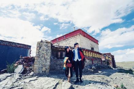 巫庆恩(右)&刘大糖(左)在拉萨拍摄的合照