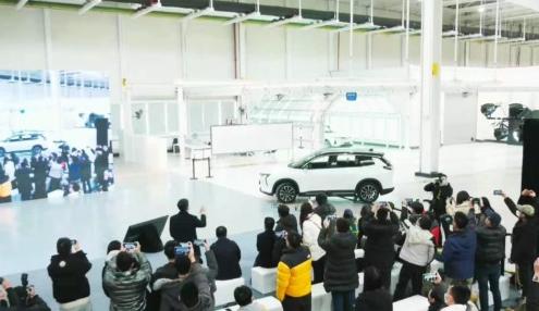 威马L4级自动驾驶汽车 售价有望低于20万