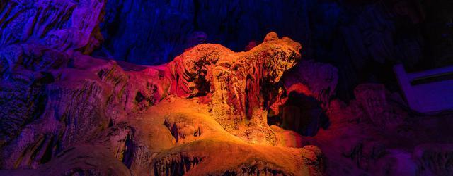 桂林芦笛岩 美丽奇观喀斯特地貌