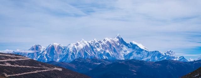 冬游西藏邂逅五彩森林